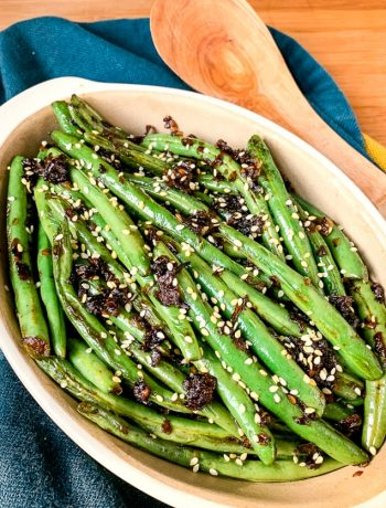 sesame green beans in a baking dish