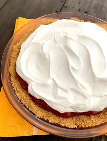 glass pie dish with homemade no bake strawberry pie